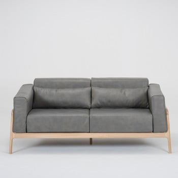 Canapea din piele bovină cu structură din lemn masiv de stejar Gazzda Fawn, gri închis