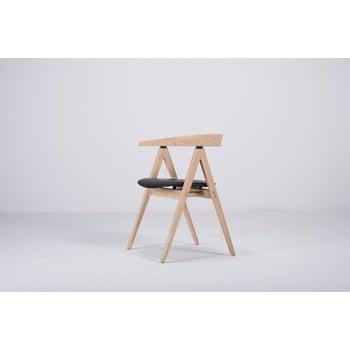Scaun din lemn masiv de stejar şi pernă din piele bovină neagră Gazzda Ava poza bonami.ro